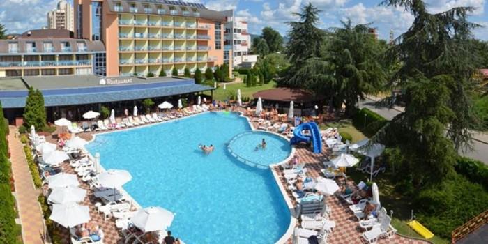 RECENZE: Hotel Bajkal, Slunečné pobřeží